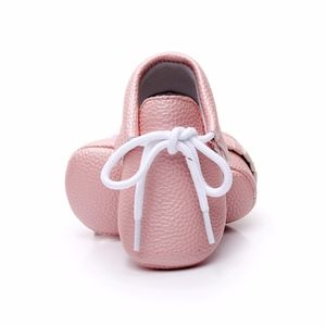 Other - 🐰Easter pink pearl lace up soft sole baby moccs